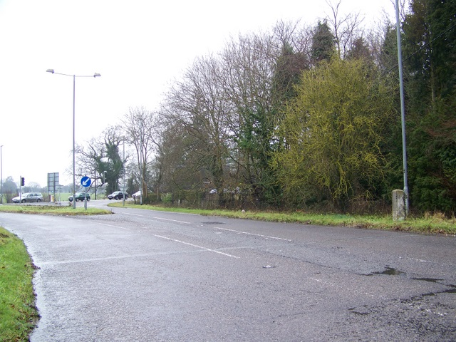 Road junction and milestone, Brickworth Corner