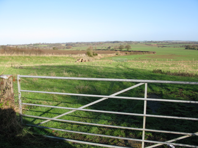 View N across farmland from Bank Road