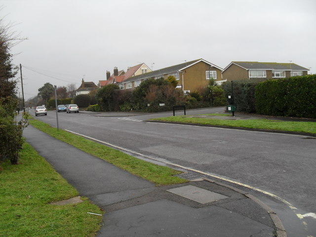 Looking from Shaftesbury Road along Broadmark Lane towards Sutton Avenue