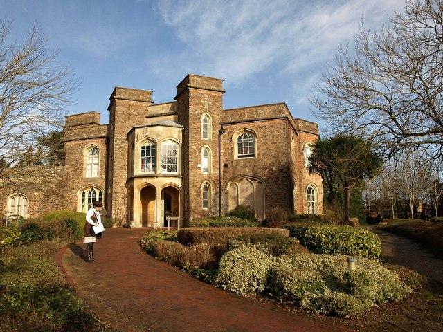 Lyngford House