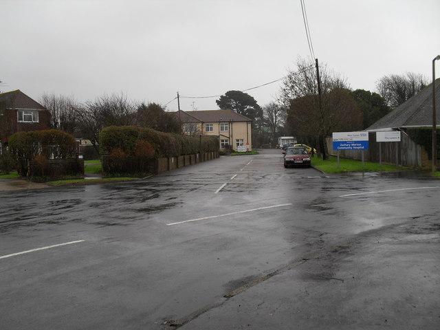 Looking from Glenville Road towards Zachary Merton Hospital