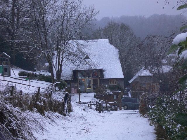 The approach to Sturt Farm