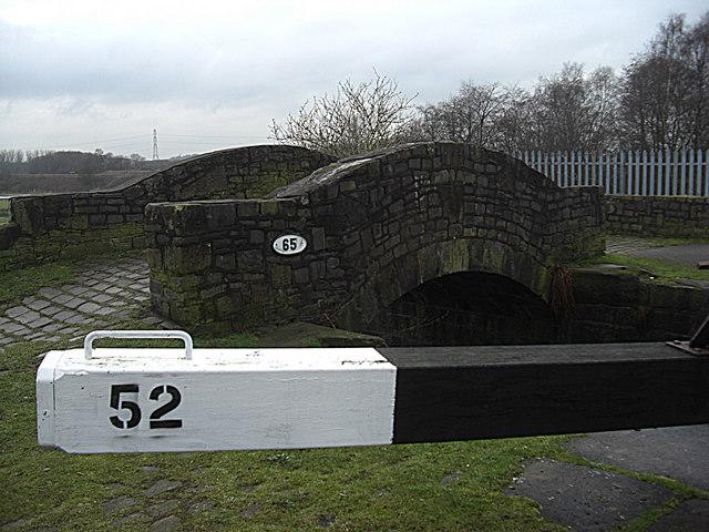 Bridge no 65 Rochdale Canal Castleton