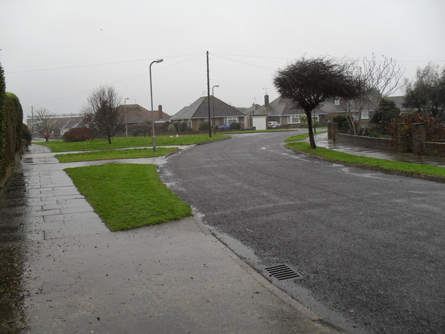 Approaching the junction of  Evelyn Avenue and Dolphin Way
