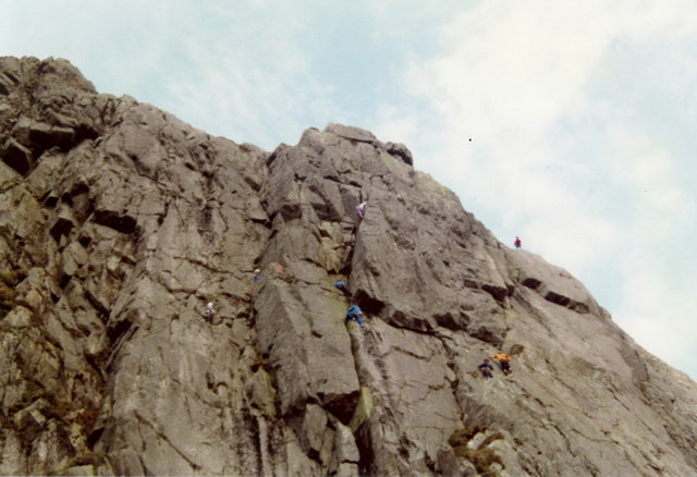 A busy afternoon on Gimmer Crag