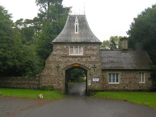 The gatehouse of Llanarth Court