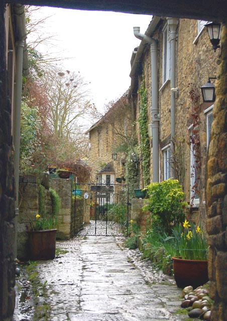 Alleyway in Burford