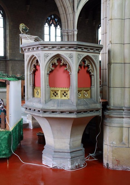 St Mary & All Saints, Potters Bar - Pulpit