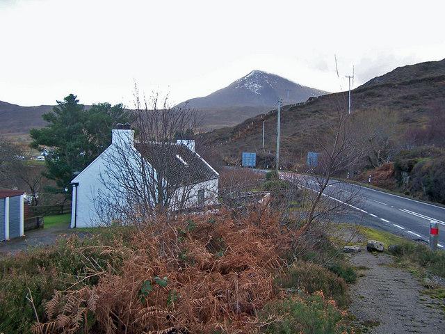 Roadside cottage in Dunan