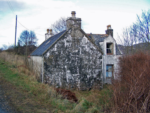 Ruined house in Dunan