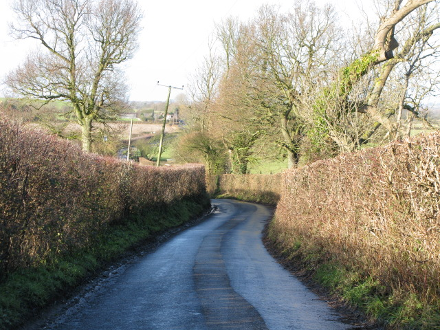 Bank Road as it drops down towards Broad Oak