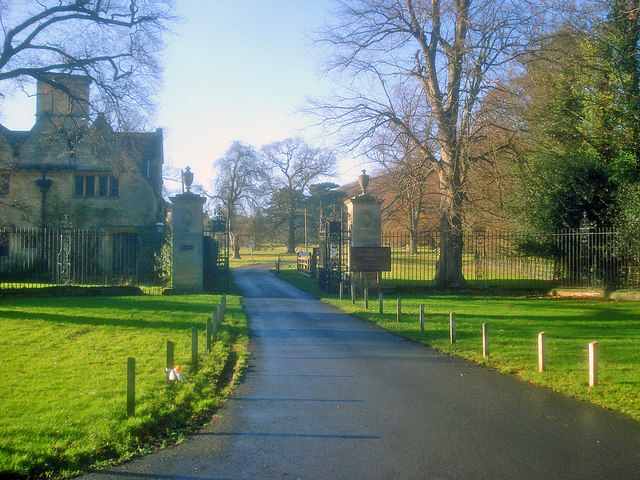 Entrance to Dumbleton Hall