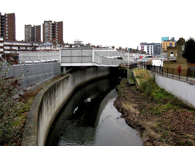 River Ravensbourne and Elverson Road DLR station