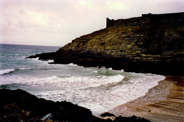 Peel - Fenella Beach at south side of the castle