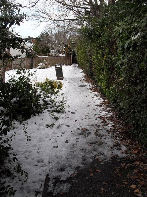 A snowy path from Grove Road to Town Hall Road