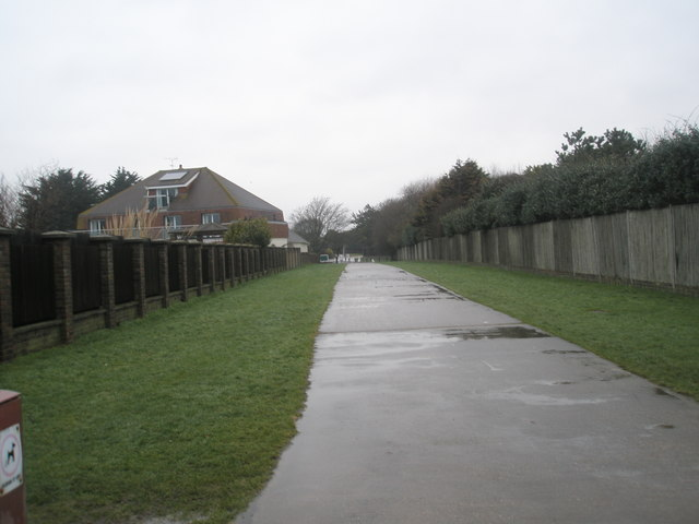 Path from Broadmark Beach to Pigeonhouse Lane