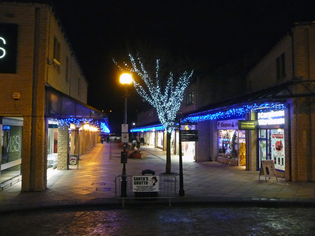 Christmas lights at the Woolshops