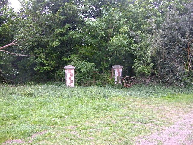 Wolston Gateway
