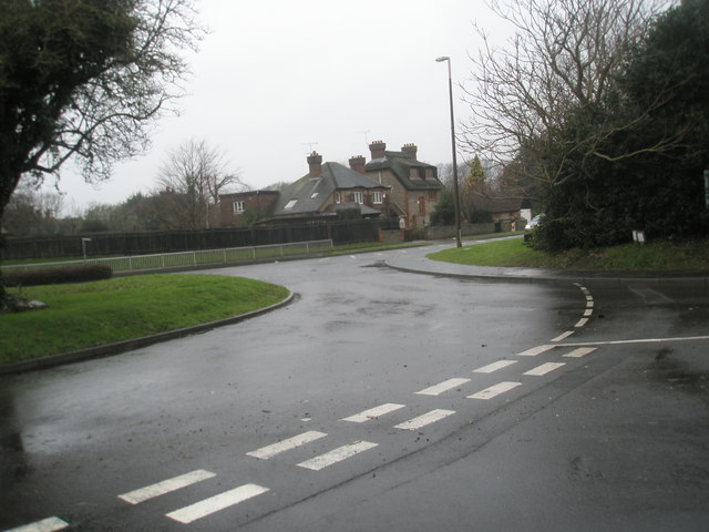 Looking from Vicargae Lane across the church roundabout towards Station Road