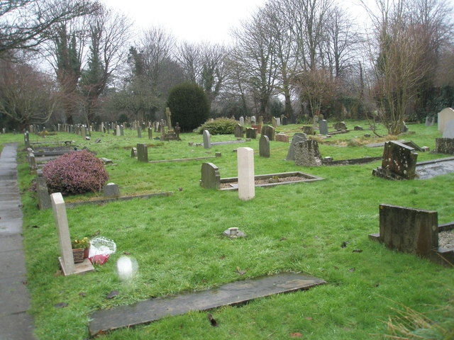 A very wet St Mary's Churchyard (2)
