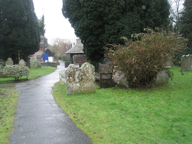 A very wet St Mary's Churchyard (10)