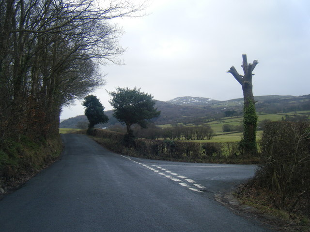 Henryd Road with lane to Hendre Road on right.