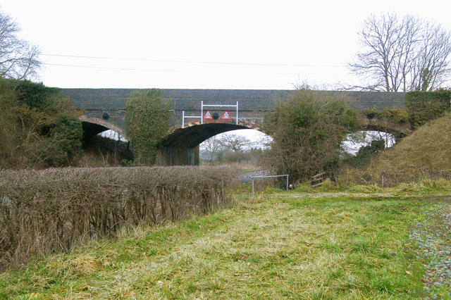 Three-arched disused railway bridge over A423, Marton
