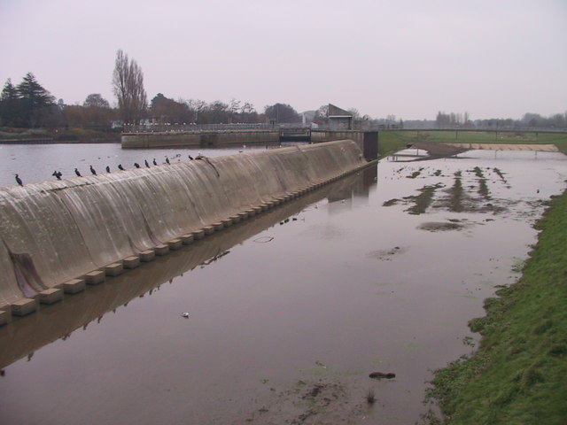 Weir between River Exe & flood relief channel