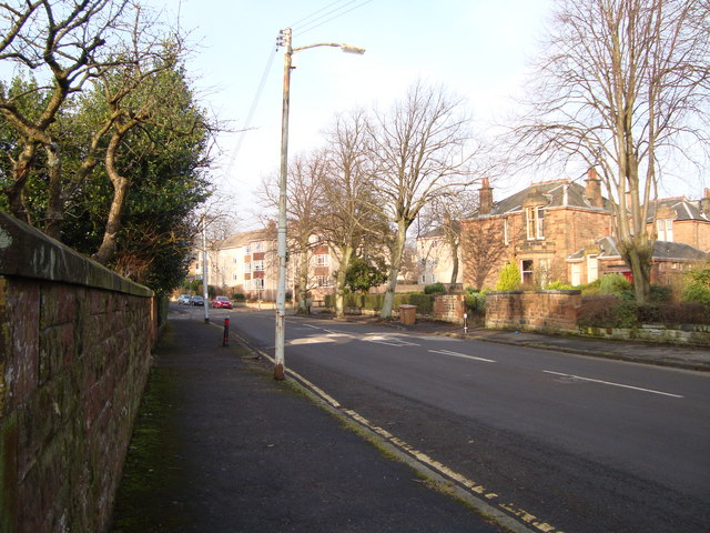 Housing in Rowan Road, Dumbreck