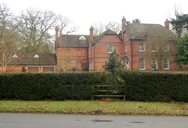 Coach house at Eathorpe Hall (1)