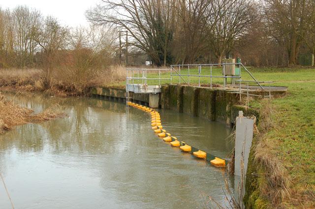 Water intake on River Leam, Eathorpe