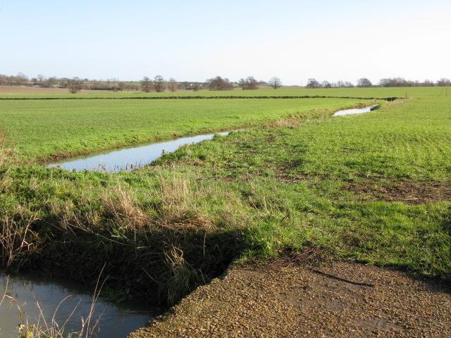 Drainage ditch across the fields near Mersham