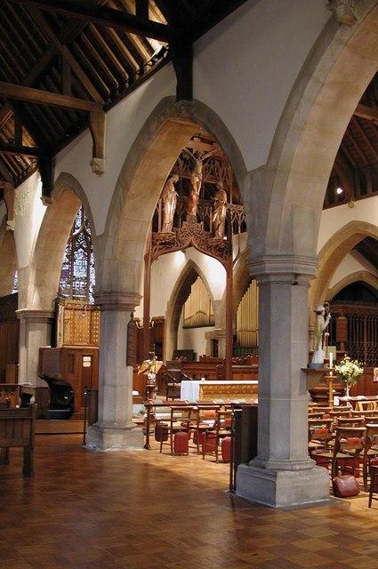 St Anselm, Hatch End - Interior