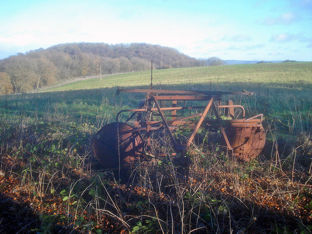 Abandoned hay turner on Perretts Hill
