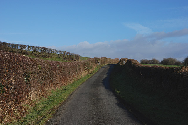 Minor road heading for Staylittle