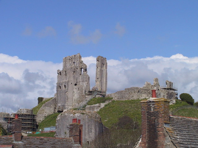 Ruins of Corfe Castle above the village