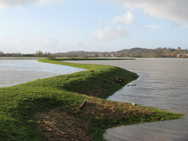 Levee on the north side of the River Stor