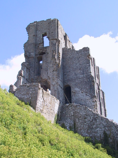 Ruined tower, Corfe Castle