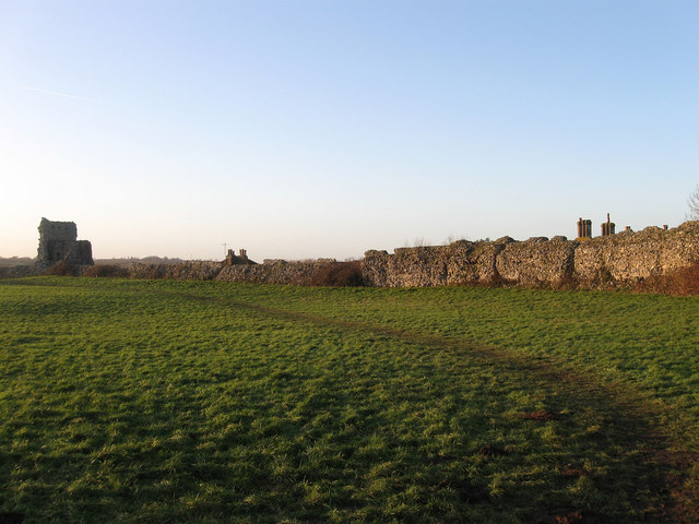 Outer Wall, Pevensey Castle
