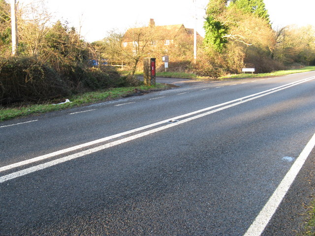 Postbox at the road to Wiggonholt