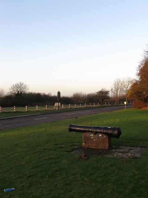 Cannon next to Castle Road