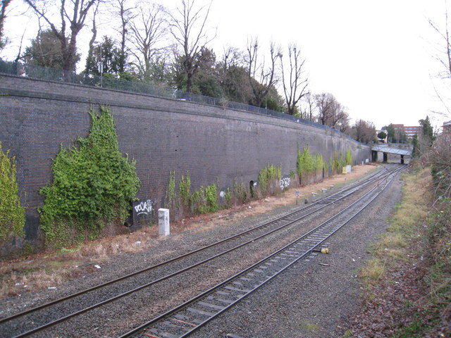 Approach to High Wycombe station