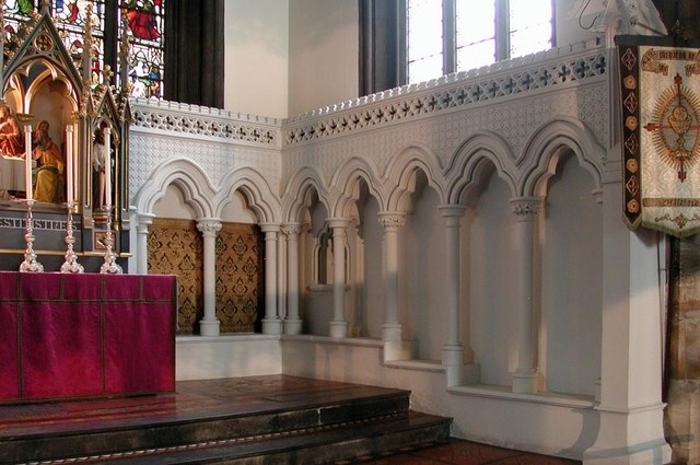 St Saviour, St George's Square, London SW1 - Piscina & sedilia