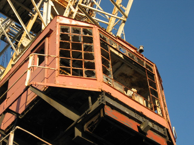 Detail of the dock crane