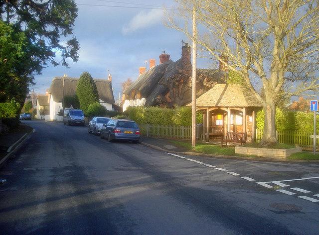 Bus shelter at Dumbleton