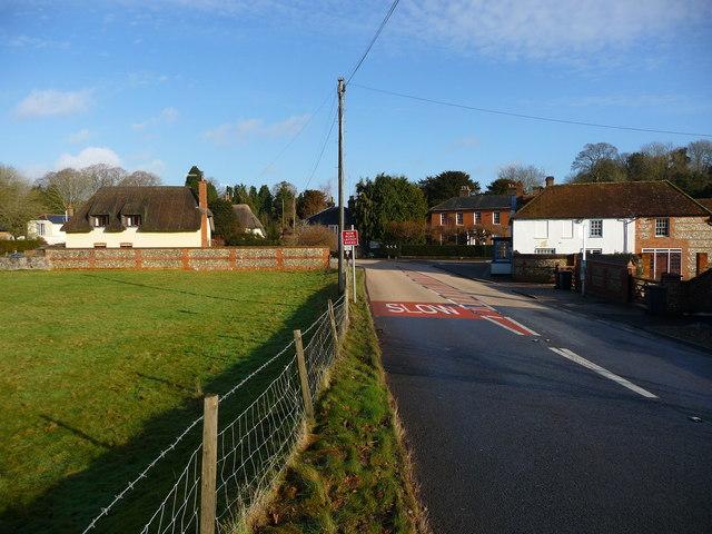 Hurstbourne Tarrant - Road into Hurstborne Tarrant