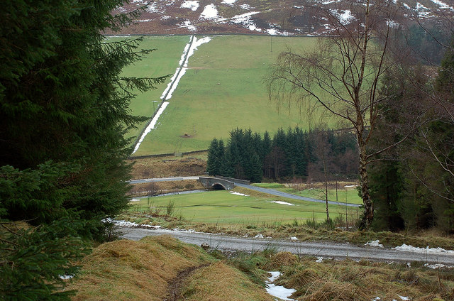 Golf course and B709 bridge over the Leithen Water