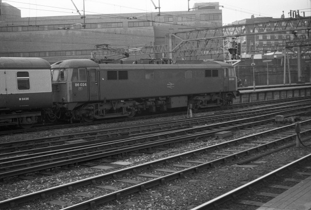 Class 86 number 86024 at Euston Station