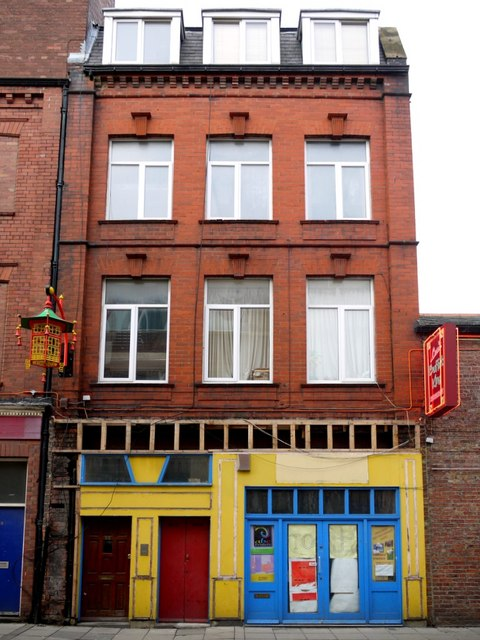 Disused shop, Stowell Street