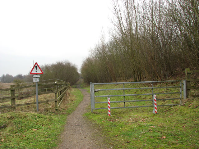Path alongside the A47 road